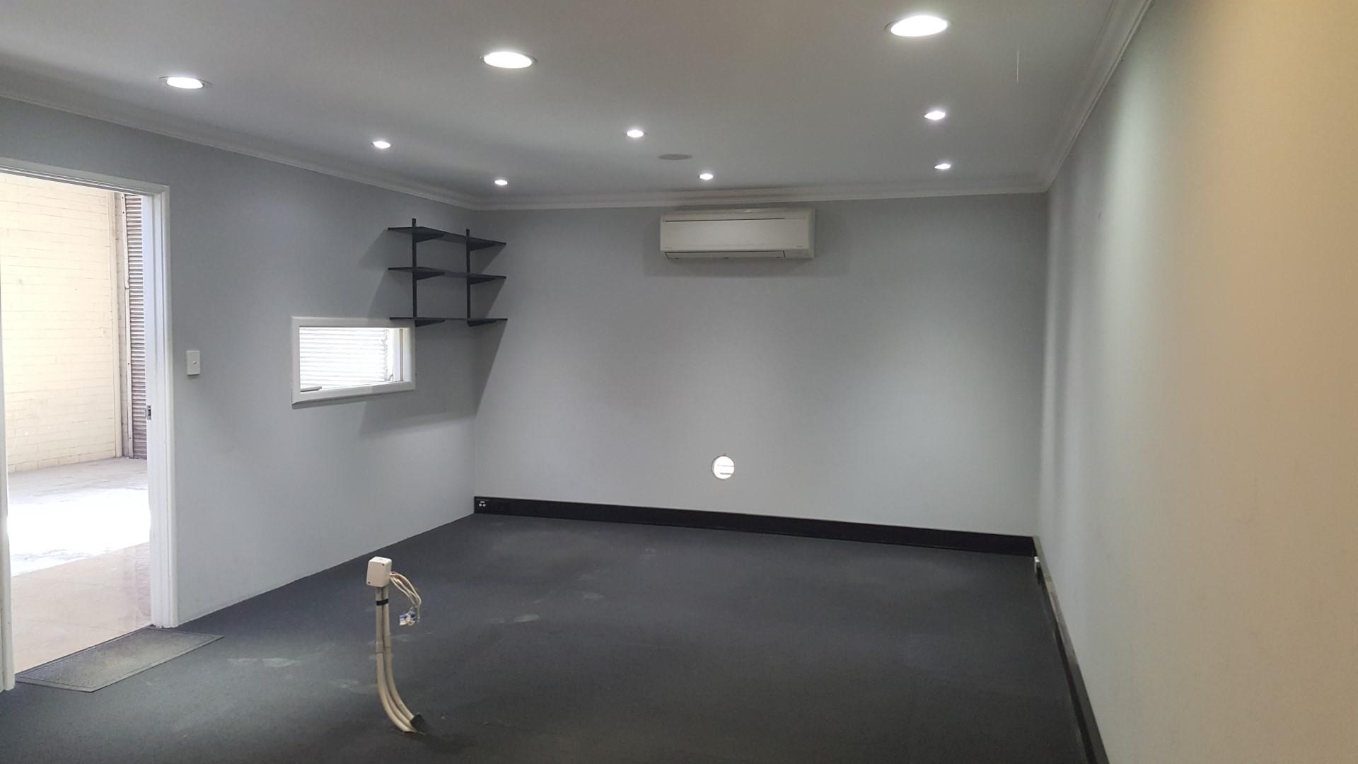 https://propertyphotos.vaultre.com.au/835/18843241__1613452097-32239-20180501105039.jpg