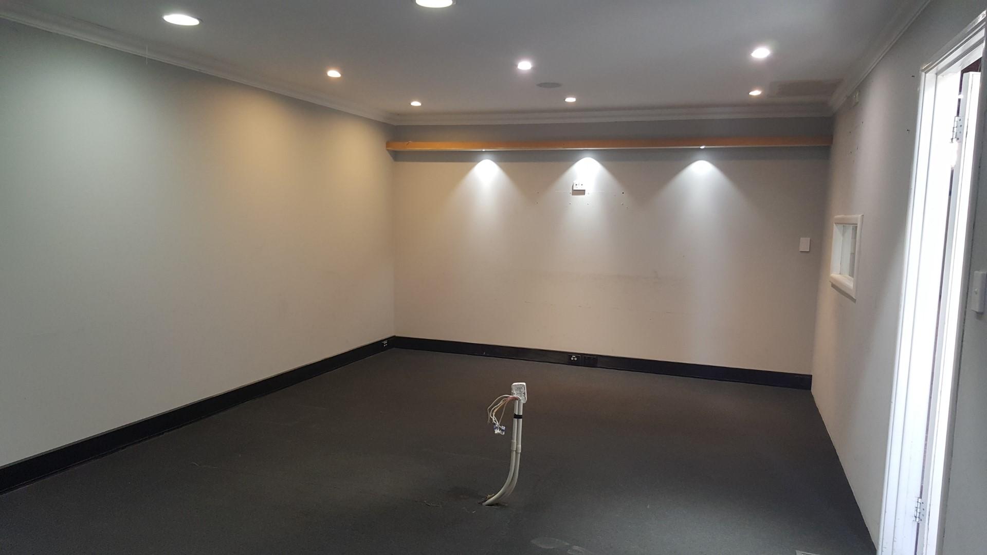 https://propertyphotos.vaultre.com.au/835/18843244__1613452113-1713-20180501105025.jpg