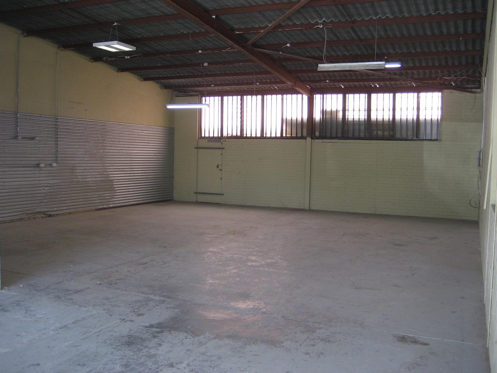 https://propertyphotos.vaultre.com.au/835/18843245__1613452121-32415-ThursoRd1stMay2018005.JPG