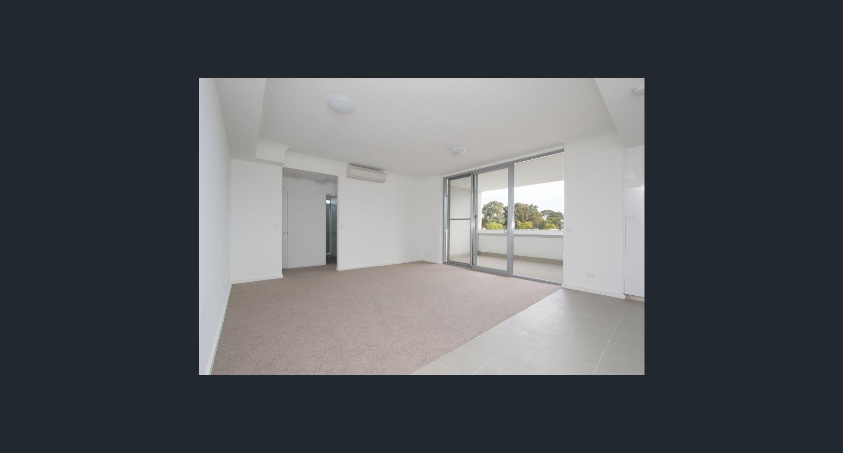 https://propertyphotos.vaultre.com.au/835/18877184__1613557260-13646-image5.jpg