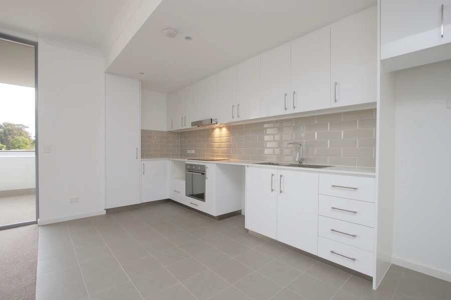 https://propertyphotos.vaultre.com.au/835/18877207__1613557574-14288-20190812211937.jpg