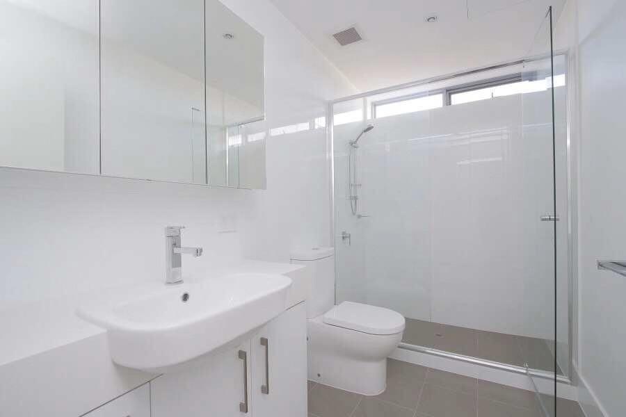 https://propertyphotos.vaultre.com.au/835/18877209__1613557674-19416-20190812211931.jpg