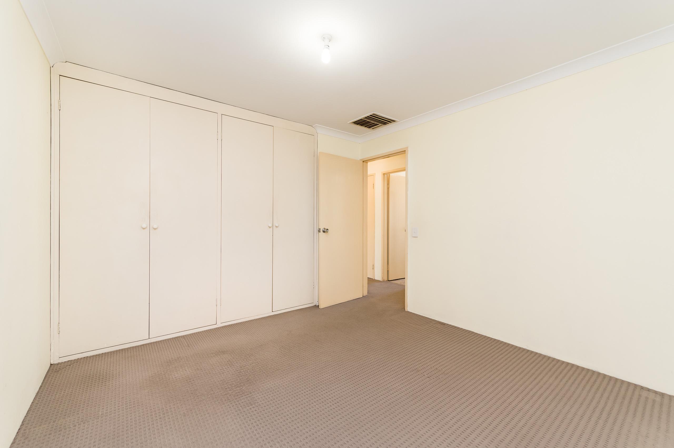 https://propertyphotos.vaultre.com.au/835/19364677__1614069739-9626-89AHopeAvenueSalterPoint-12.jpg