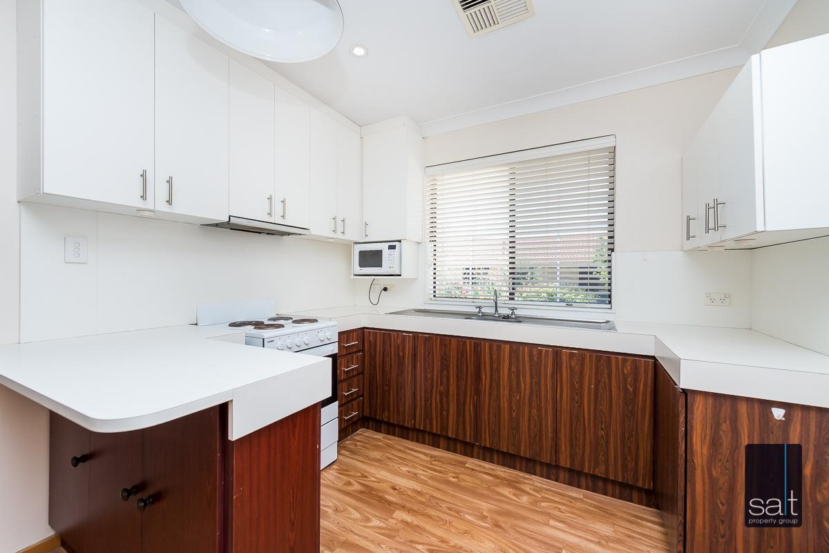 https://propertyphotos.vaultre.com.au/835/1941400__1571790650-15781-846AlexandraRdEastFremantle-7.jpg