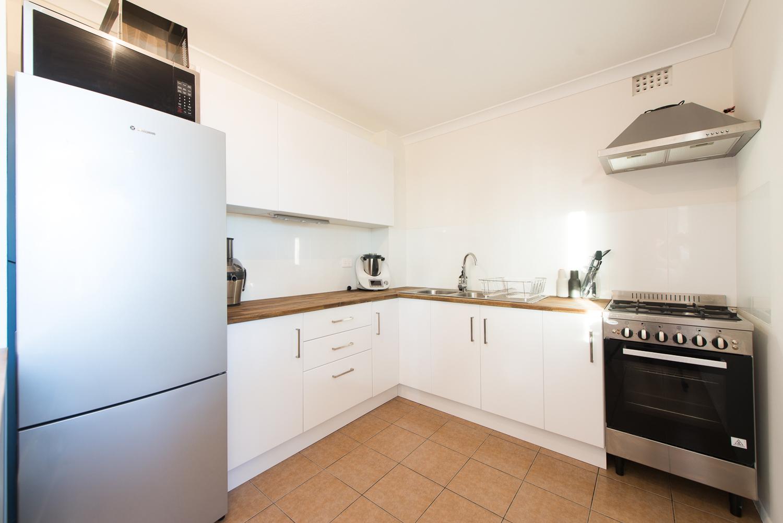https://propertyphotos.vaultre.com.au/835/19659703__1614659891-26490-LB25165.jpg