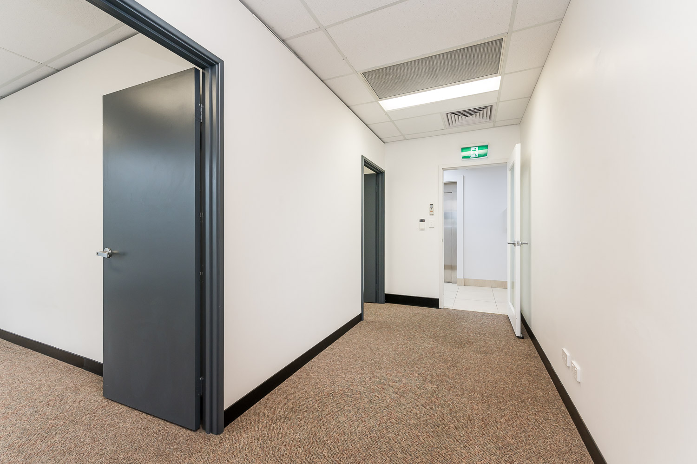 https://propertyphotos.vaultre.com.au/835/19979523__1615171295-28236-116BradshawRdManning-8.jpg