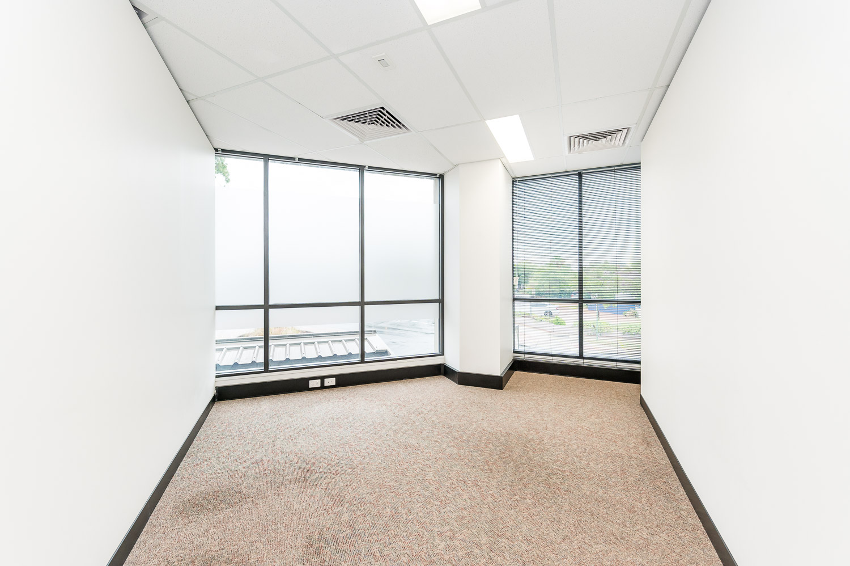 https://propertyphotos.vaultre.com.au/835/19979527__1615171299-25364-116BradshawRdManning-11.jpg