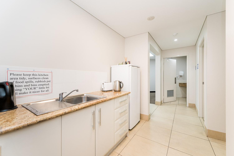 https://propertyphotos.vaultre.com.au/835/19979531__1615171304-32261-116BradshawRdManning-15.jpg