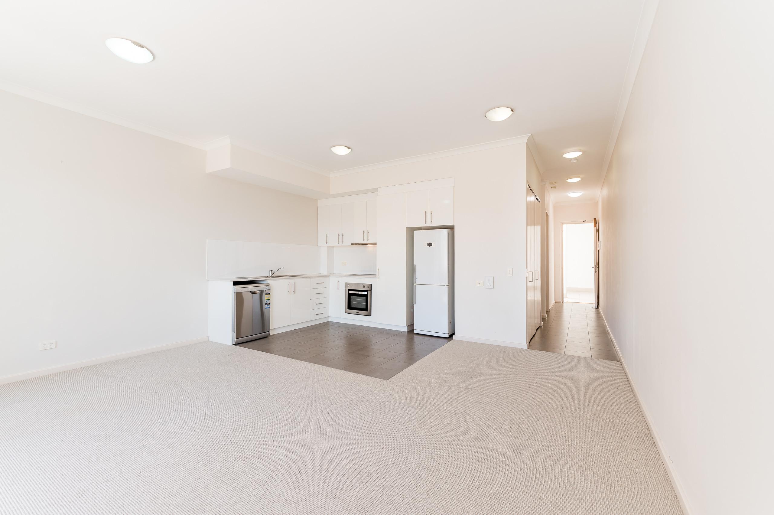 https://propertyphotos.vaultre.com.au/835/20080865__1615284673-16041-1160NewcastleStreetPerth-6.jpg