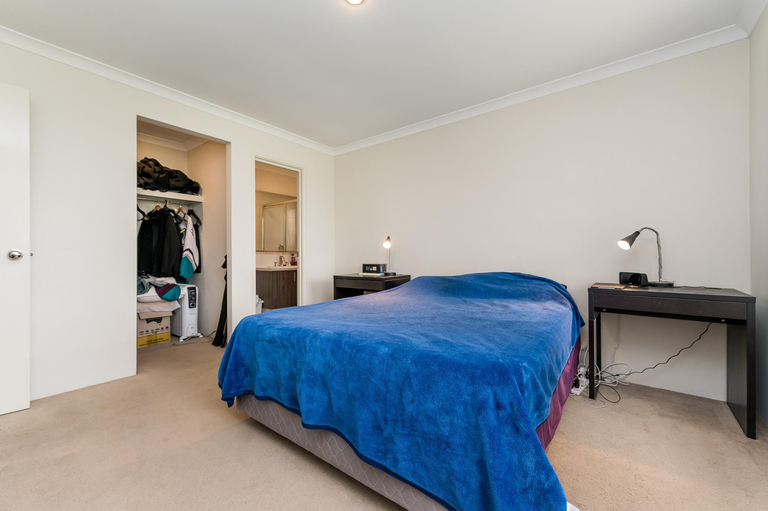 https://propertyphotos.vaultre.com.au/835/20189243__1615516636-21776-57AGalaxyWayCarlisle-4.jpg