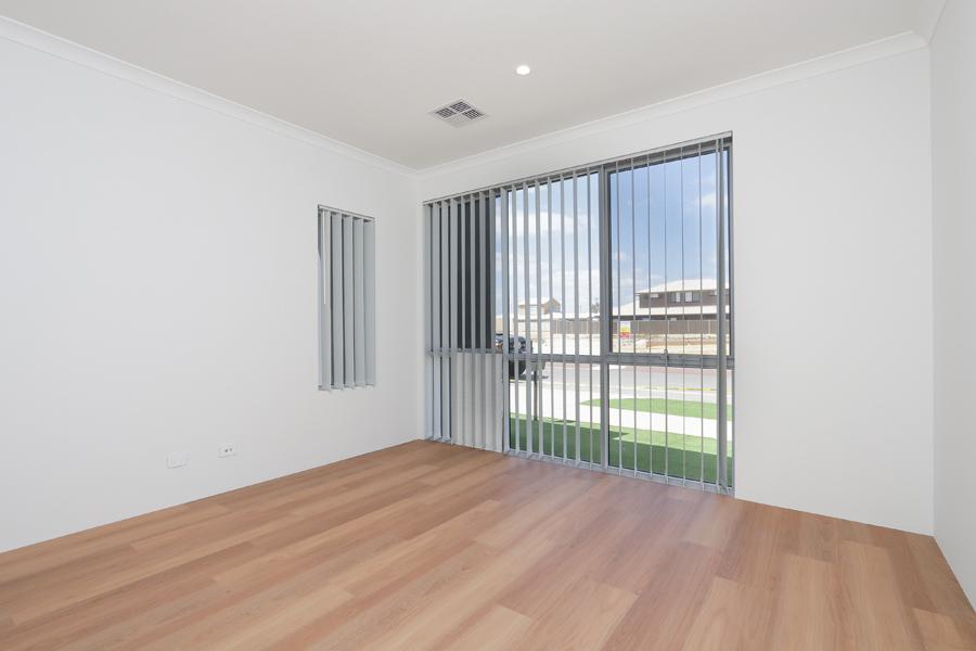 https://propertyphotos.vaultre.com.au/835/2059573__1571980020-21264-IMG0199.jpg