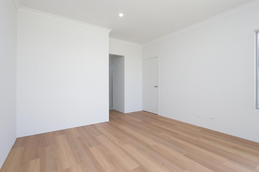 https://propertyphotos.vaultre.com.au/835/2059574__1571980021-21268-IMG0200.jpg