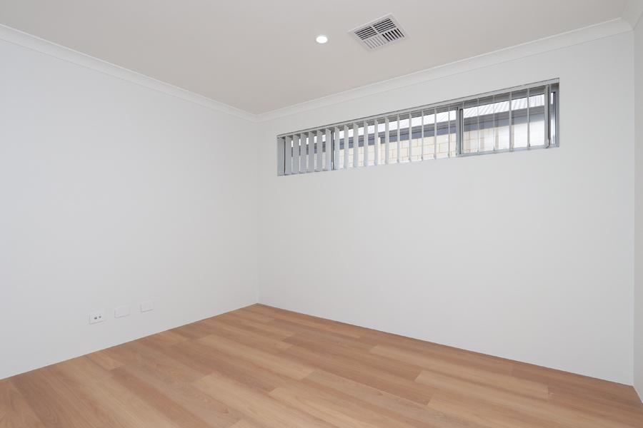 https://propertyphotos.vaultre.com.au/835/2059579__1571980025-18602-IMG0214.jpg