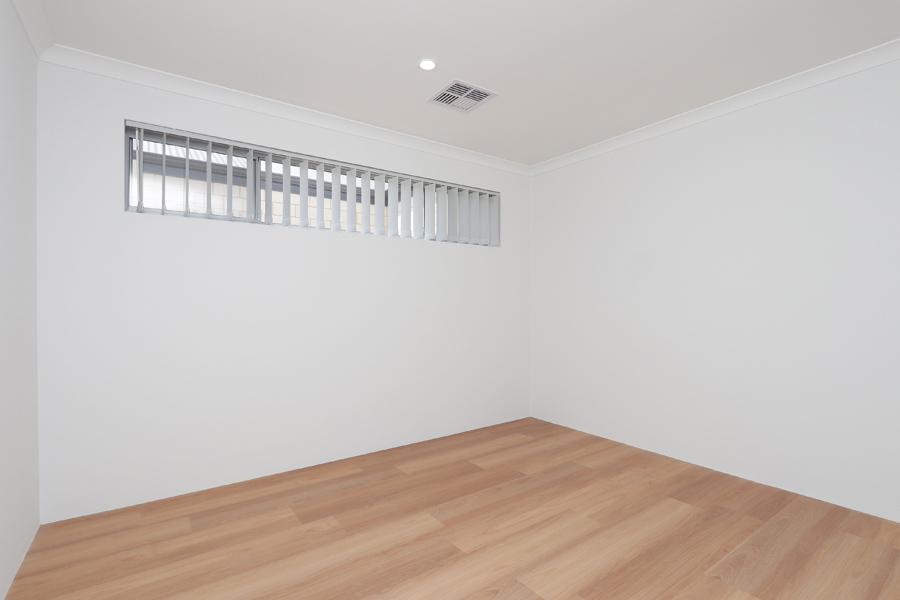 https://propertyphotos.vaultre.com.au/835/2059580__1571980026-21288-IMG0215.jpg