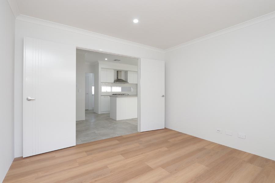 https://propertyphotos.vaultre.com.au/835/2059582__1571980028-18610-IMG0218.jpg