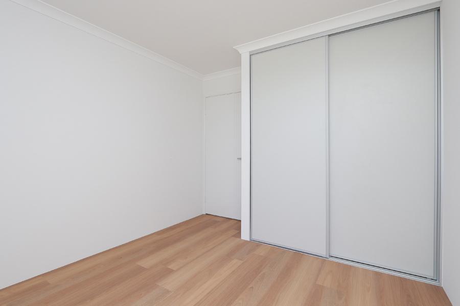 https://propertyphotos.vaultre.com.au/835/2059593__1571980038-21344-IMG0244.jpg