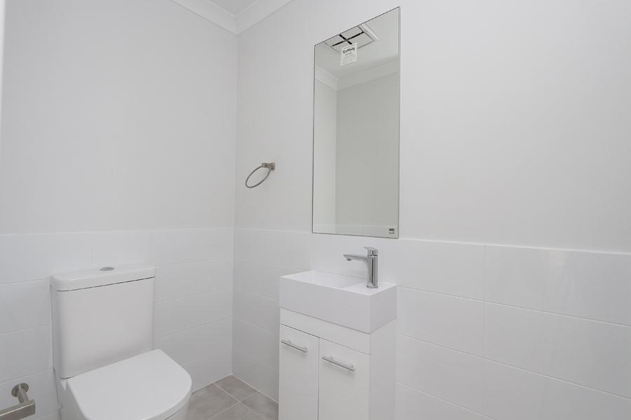 https://propertyphotos.vaultre.com.au/835/2059597__1571980042-21364-IMG0249.jpg