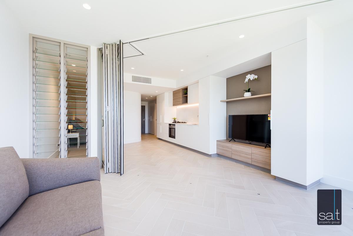 https://propertyphotos.vaultre.com.au/835/2060014__1571997231-9301-25031GeoffreyBoltonAvenuePerth-11.jpg
