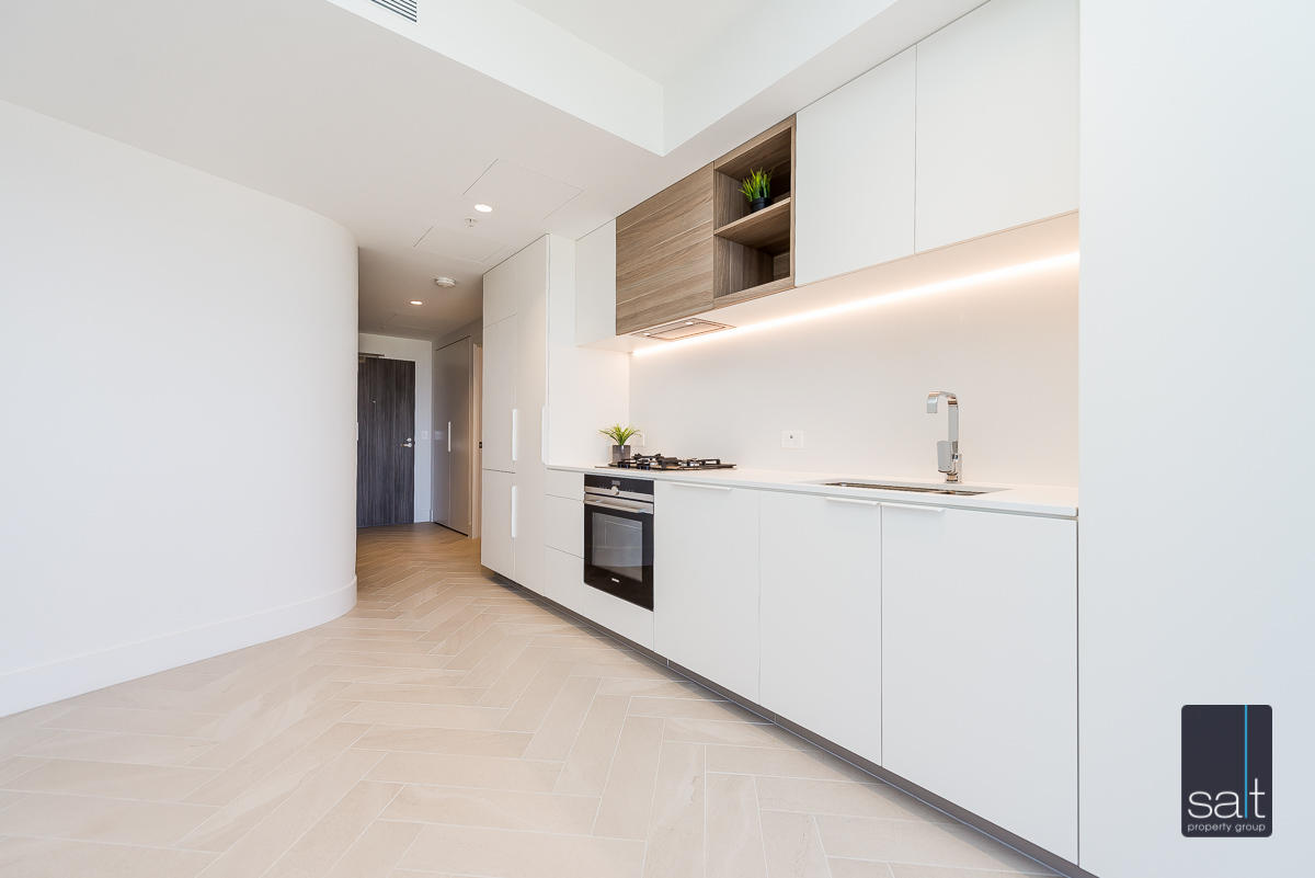 https://propertyphotos.vaultre.com.au/835/2060015__1571997232-9304-25031GeoffreyBoltonAvenuePerth-12.jpg