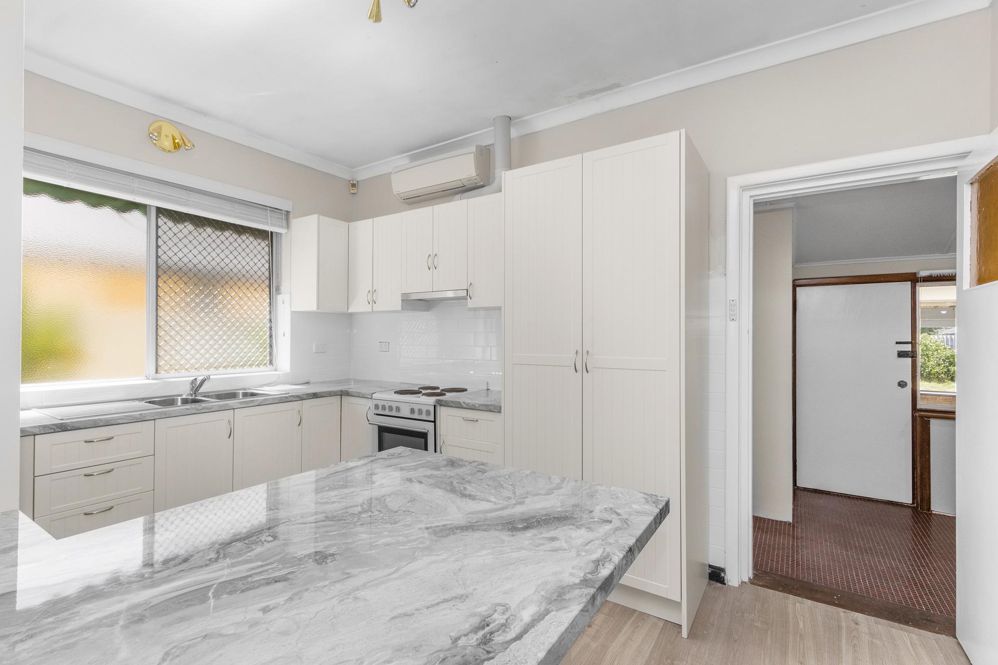https://propertyphotos.vaultre.com.au/835/20690601__1616136609-21374-IMG0020.jpg