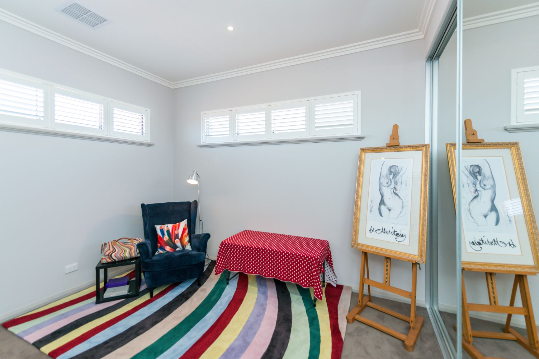 https://propertyphotos.vaultre.com.au/835/20691403__1616139767-4824-25.jpg