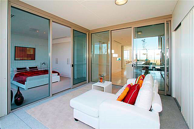https://propertyphotos.vaultre.com.au/835/22006861__1617156081-21864-12.jpg