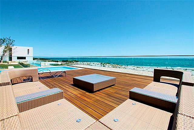 https://propertyphotos.vaultre.com.au/835/22006864__1617156083-5440-14.jpg