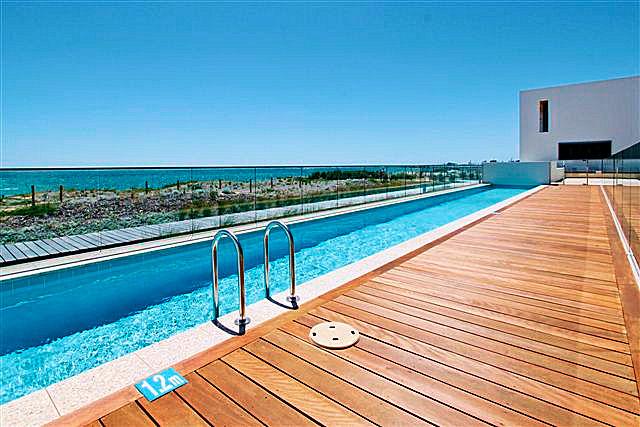 https://propertyphotos.vaultre.com.au/835/22006866__1617156085-22105-16.jpg