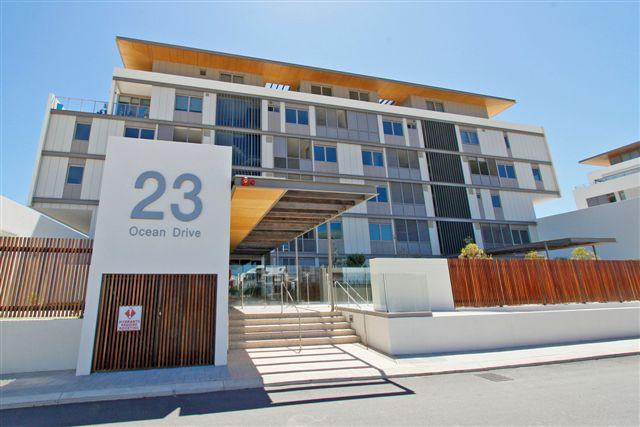 https://propertyphotos.vaultre.com.au/835/22006870__1617156088-5457-19.jpg