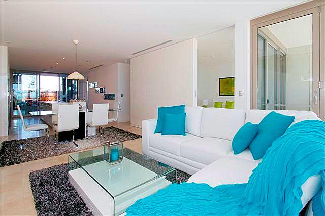 https://propertyphotos.vaultre.com.au/835/22006877__1617156093-7353-1.jpg