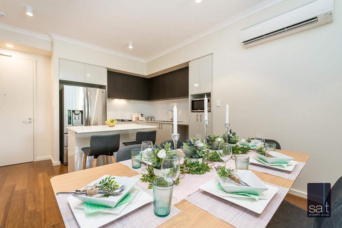 https://propertyphotos.vaultre.com.au/835/2224826__1572337103-13982-164RiseleyStBooragoon-17.jpg