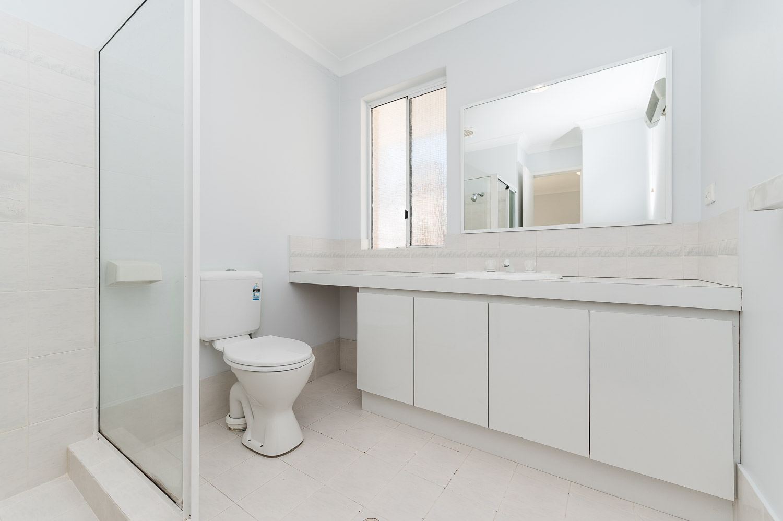 https://propertyphotos.vaultre.com.au/835/22398535__1617704389-20399-2HelmStMtPleasant-11.jpg