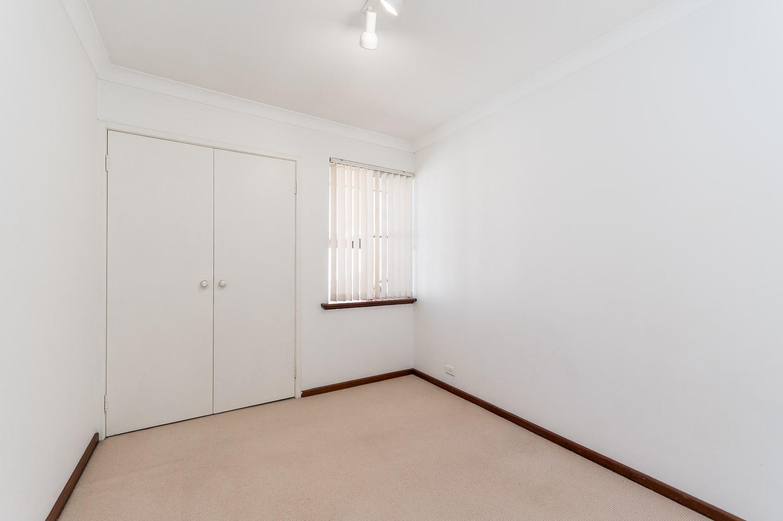 https://propertyphotos.vaultre.com.au/835/22398536__1617704390-11428-2HelmStMtPleasant-12.jpg