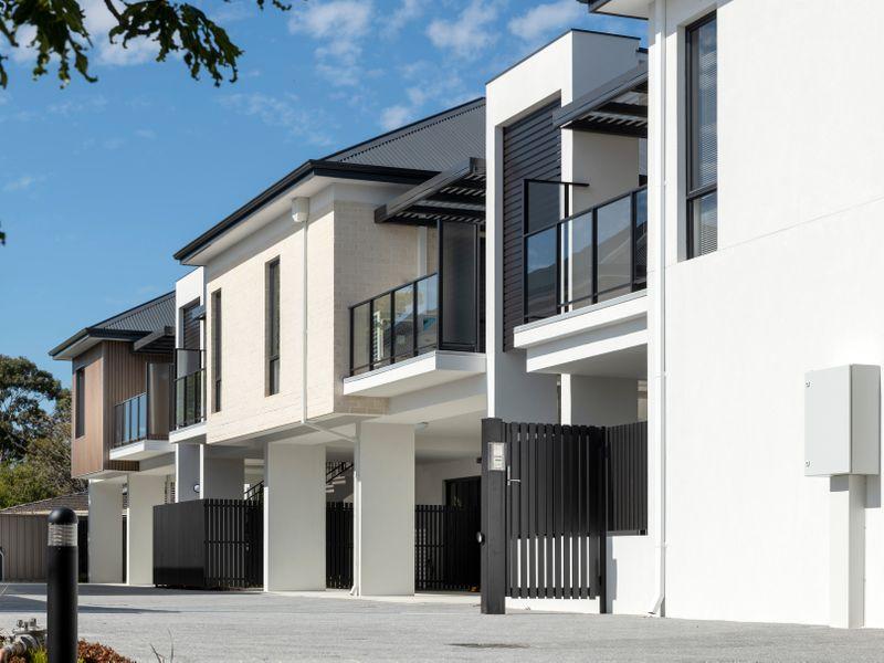 https://propertyphotos.vaultre.com.au/835/2335786__1572420333-8-reaimport-1568678569-347129-442175.jpg