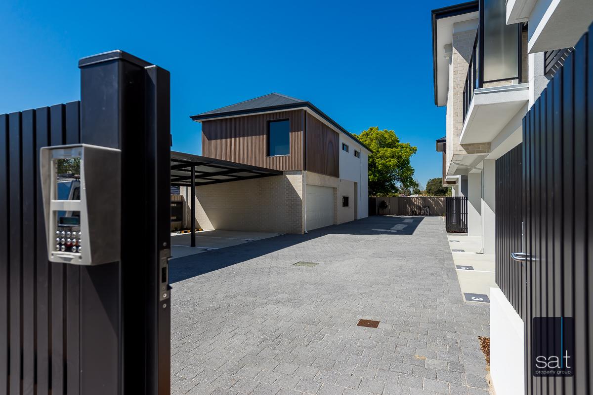 https://propertyphotos.vaultre.com.au/835/2335832__1572420622-4979-288LealtPlArdross-44.jpg