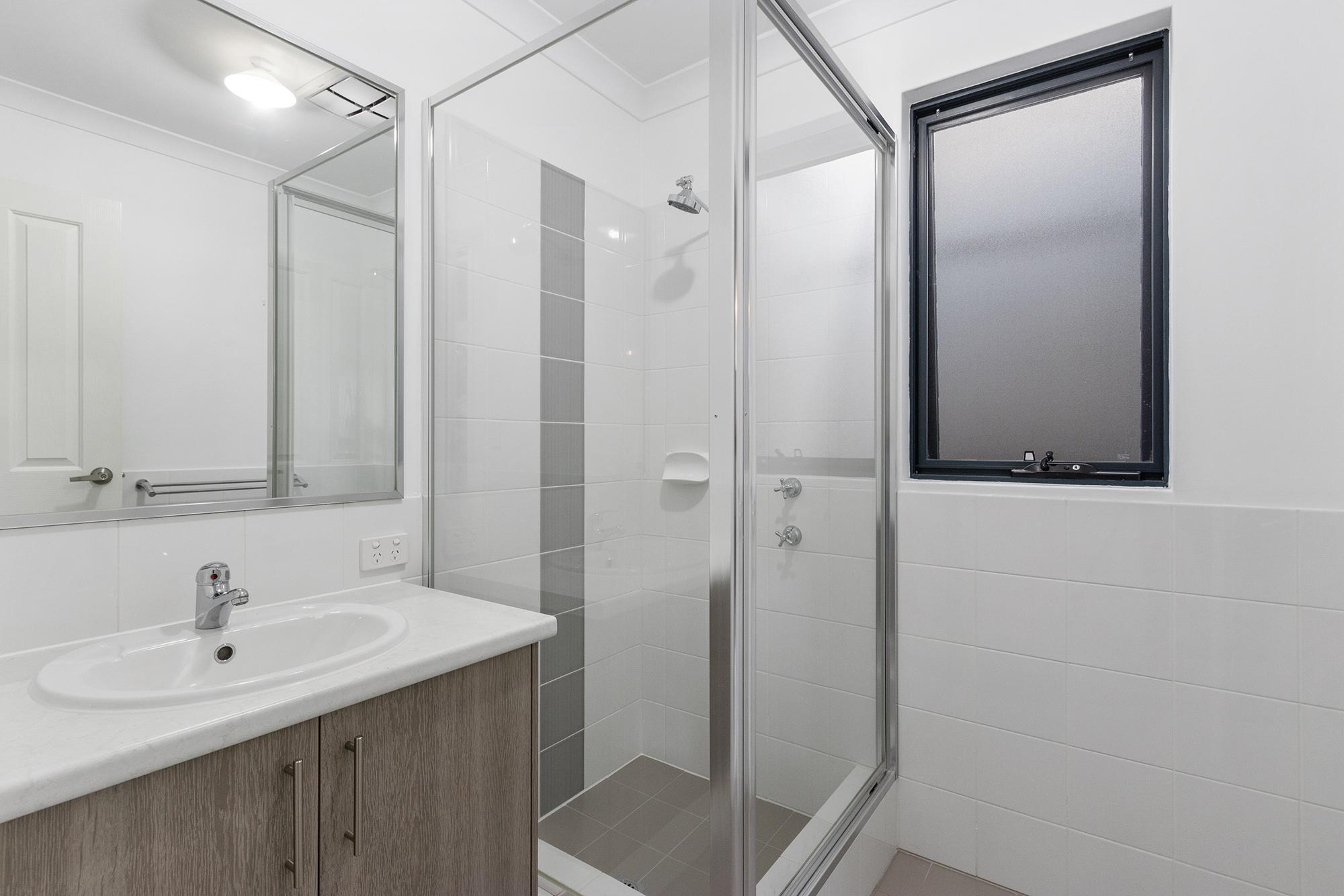 https://propertyphotos.vaultre.com.au/835/24241734__1618456535-11181-IMG0087.jpg