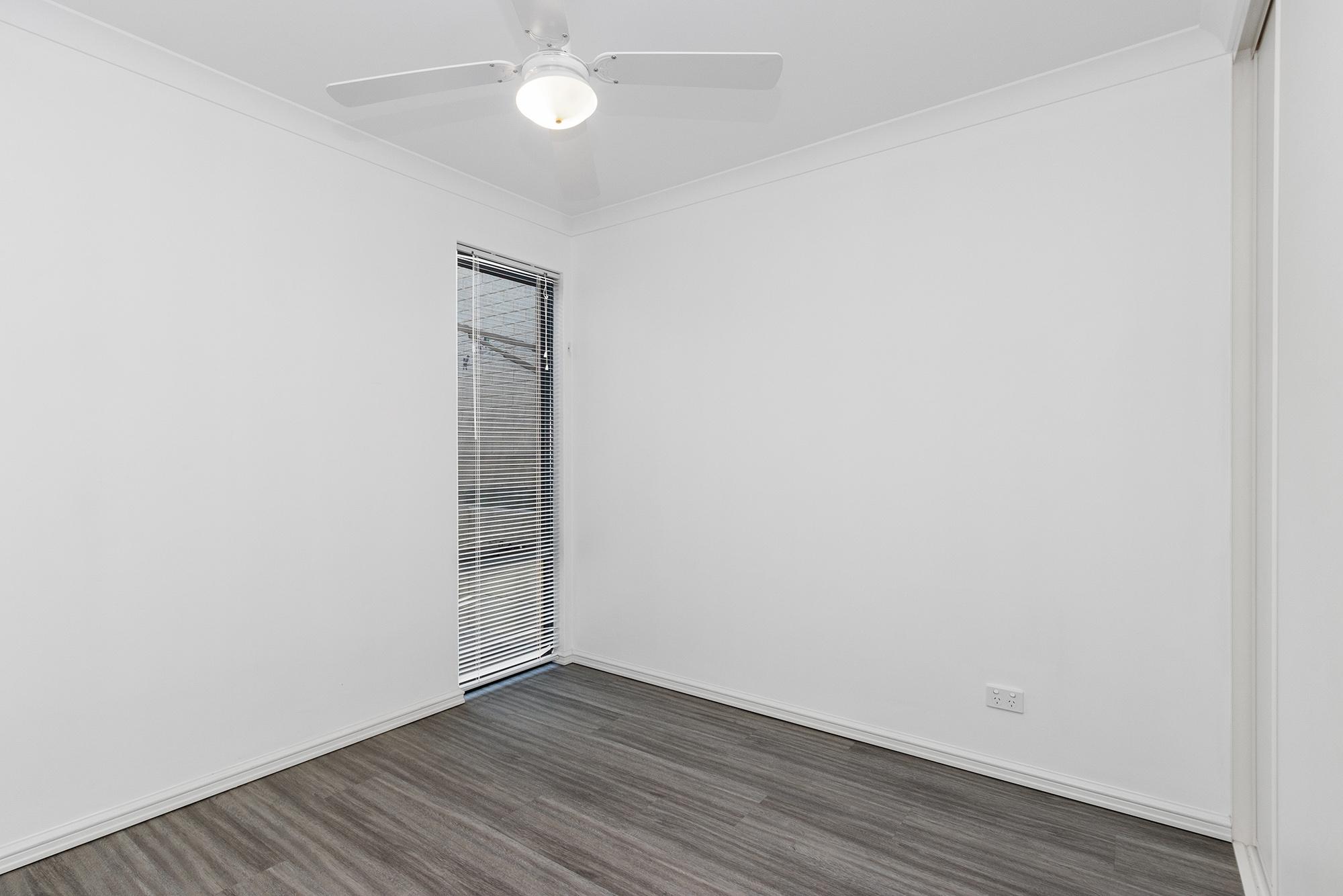 https://propertyphotos.vaultre.com.au/835/24241738__1618456539-1282-IMG0095.jpg