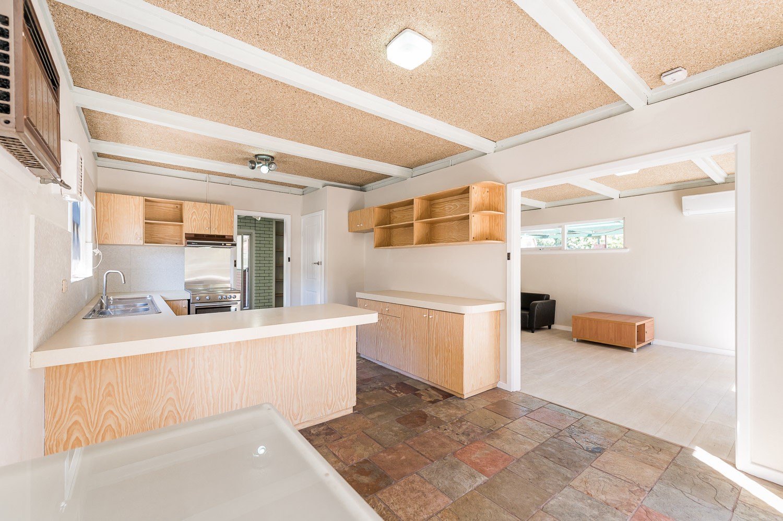 https://propertyphotos.vaultre.com.au/835/24274183__1618562574-25645-Address-6.jpg