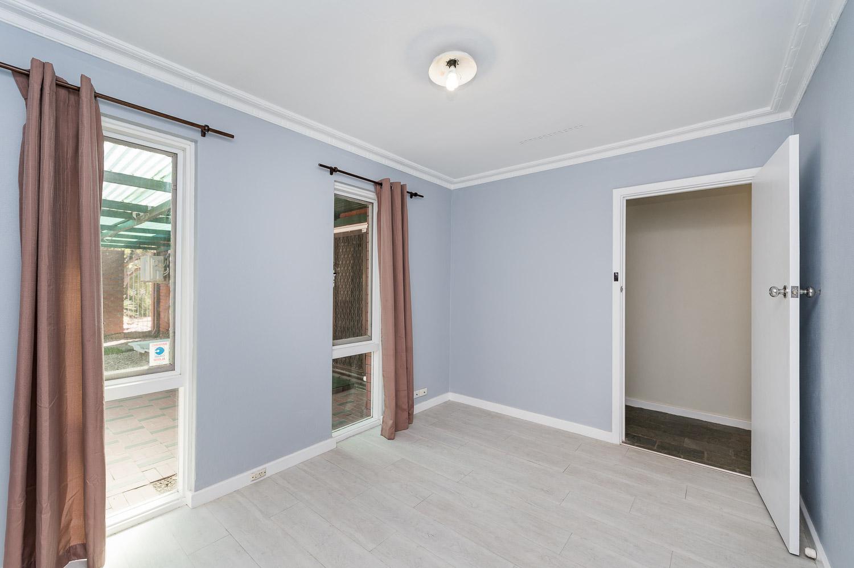 https://propertyphotos.vaultre.com.au/835/24274190__1618562579-4566-Address-12.jpg