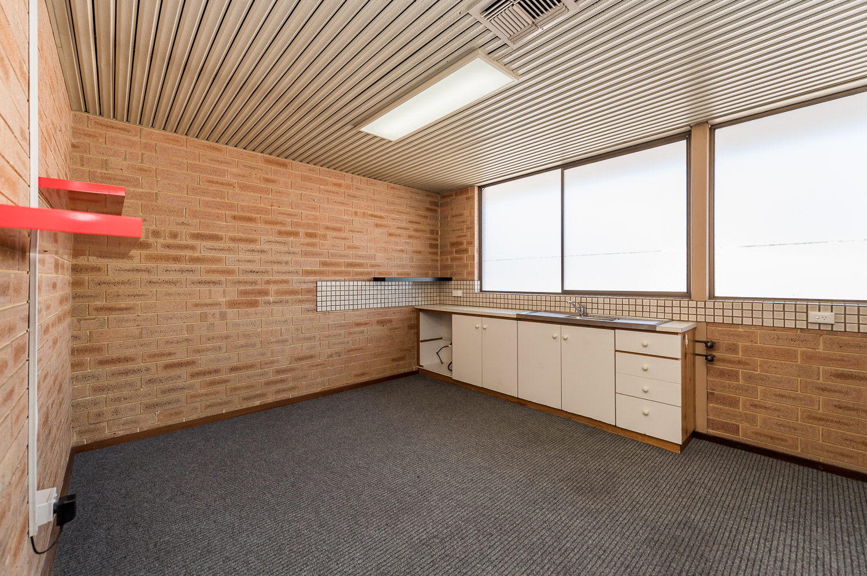 https://propertyphotos.vaultre.com.au/835/25103054__1618891866-19230-Level1791CanningHighwayApplecross-7.jpg