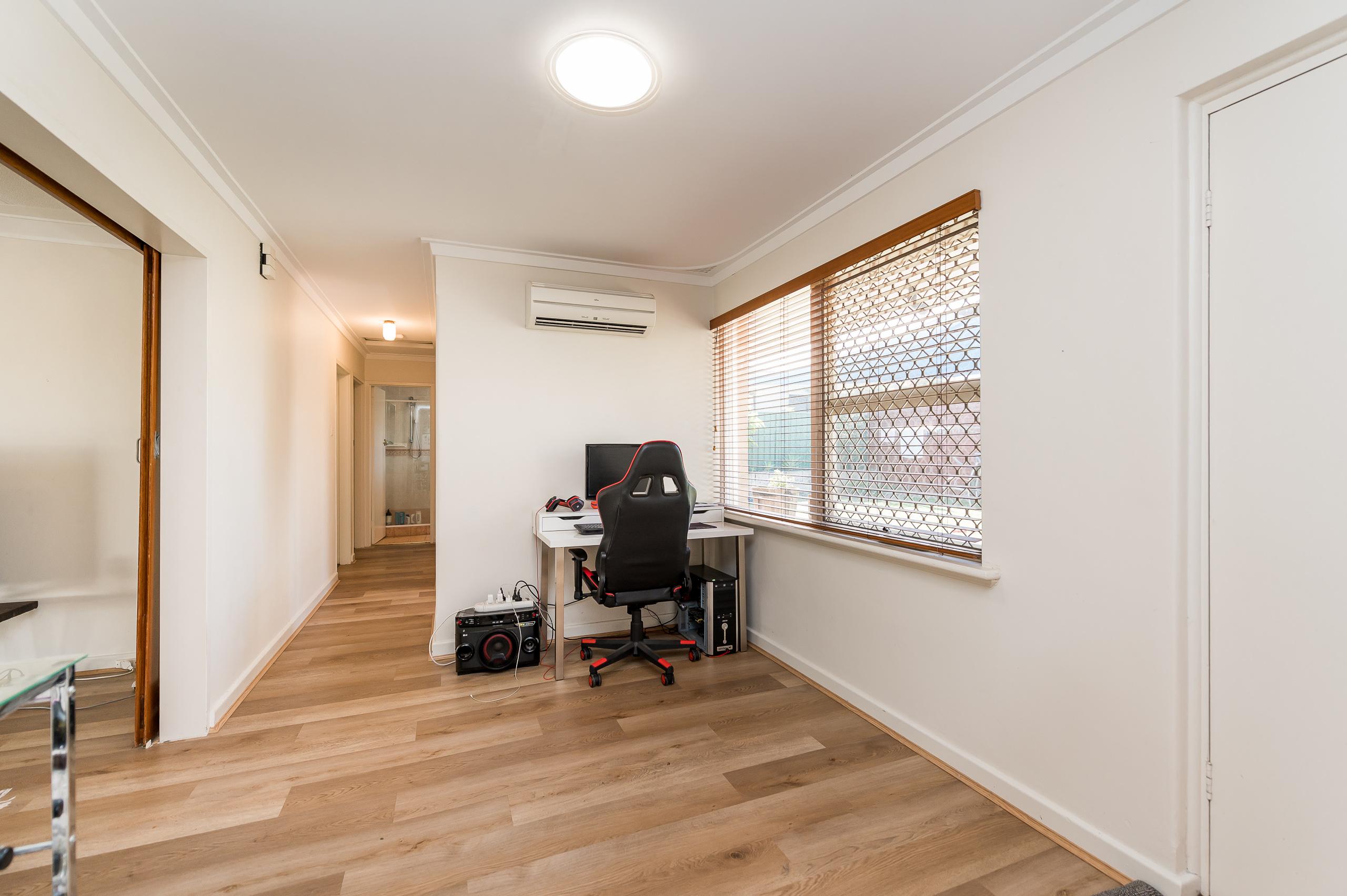 https://propertyphotos.vaultre.com.au/835/26578697__1619571681-6310-39WichmannRoadAttadale-6.jpg