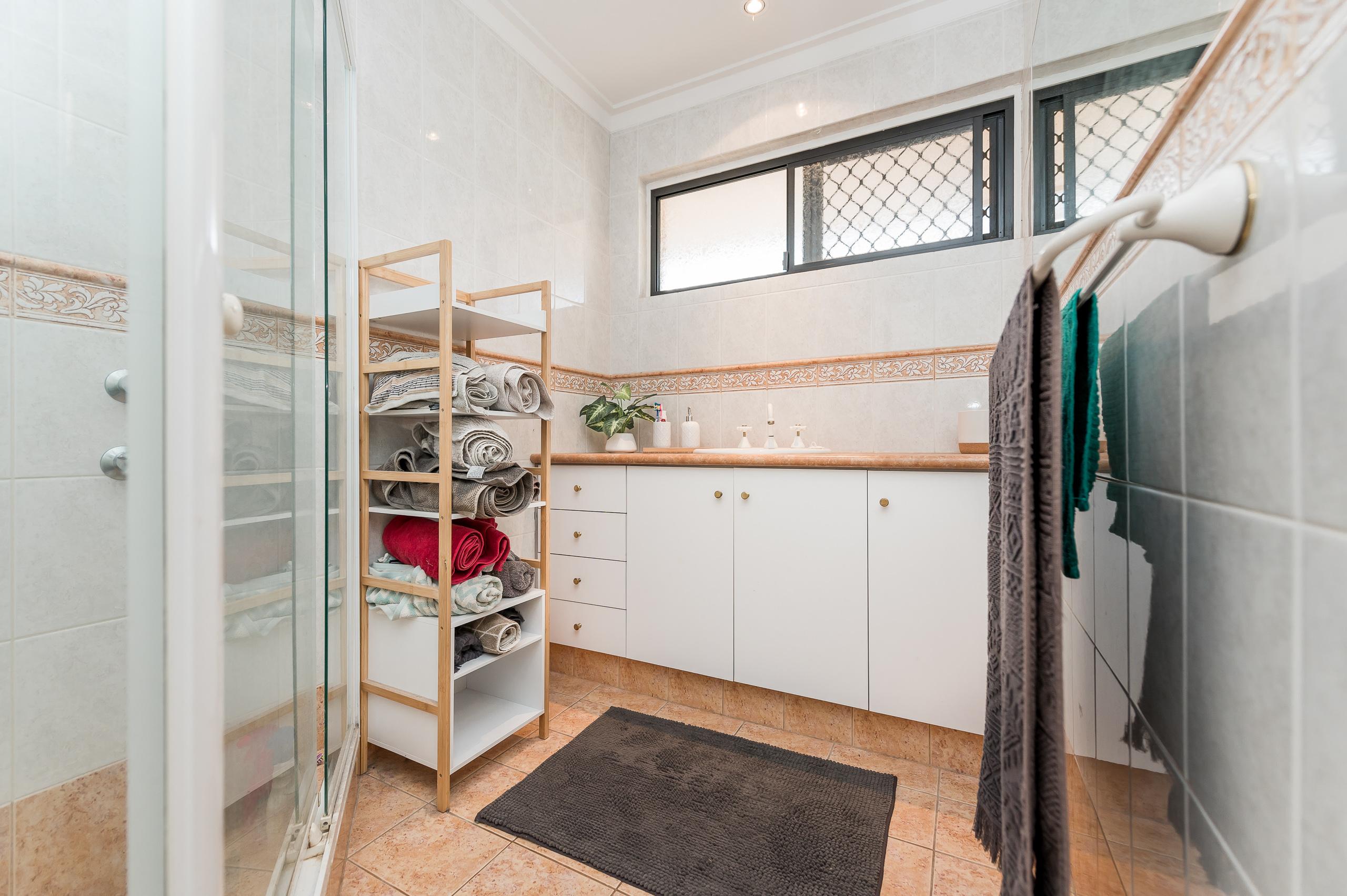 https://propertyphotos.vaultre.com.au/835/26578722__1619571738-6340-39WichmannRoadAttadale-10.jpg