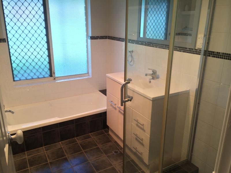 https://propertyphotos.vaultre.com.au/835/26904482__1619680906-21581-IMG5412.JPG