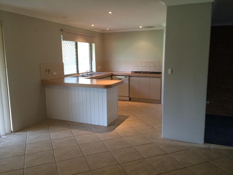 https://propertyphotos.vaultre.com.au/835/26904485__1619680909-24878-IMG5429.JPG