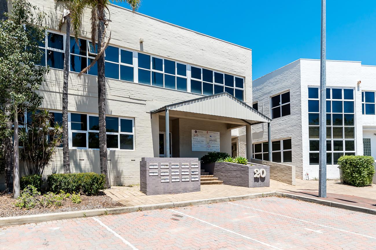 https://propertyphotos.vaultre.com.au/835/29709631__1622001102-23536-Address-66.jpg