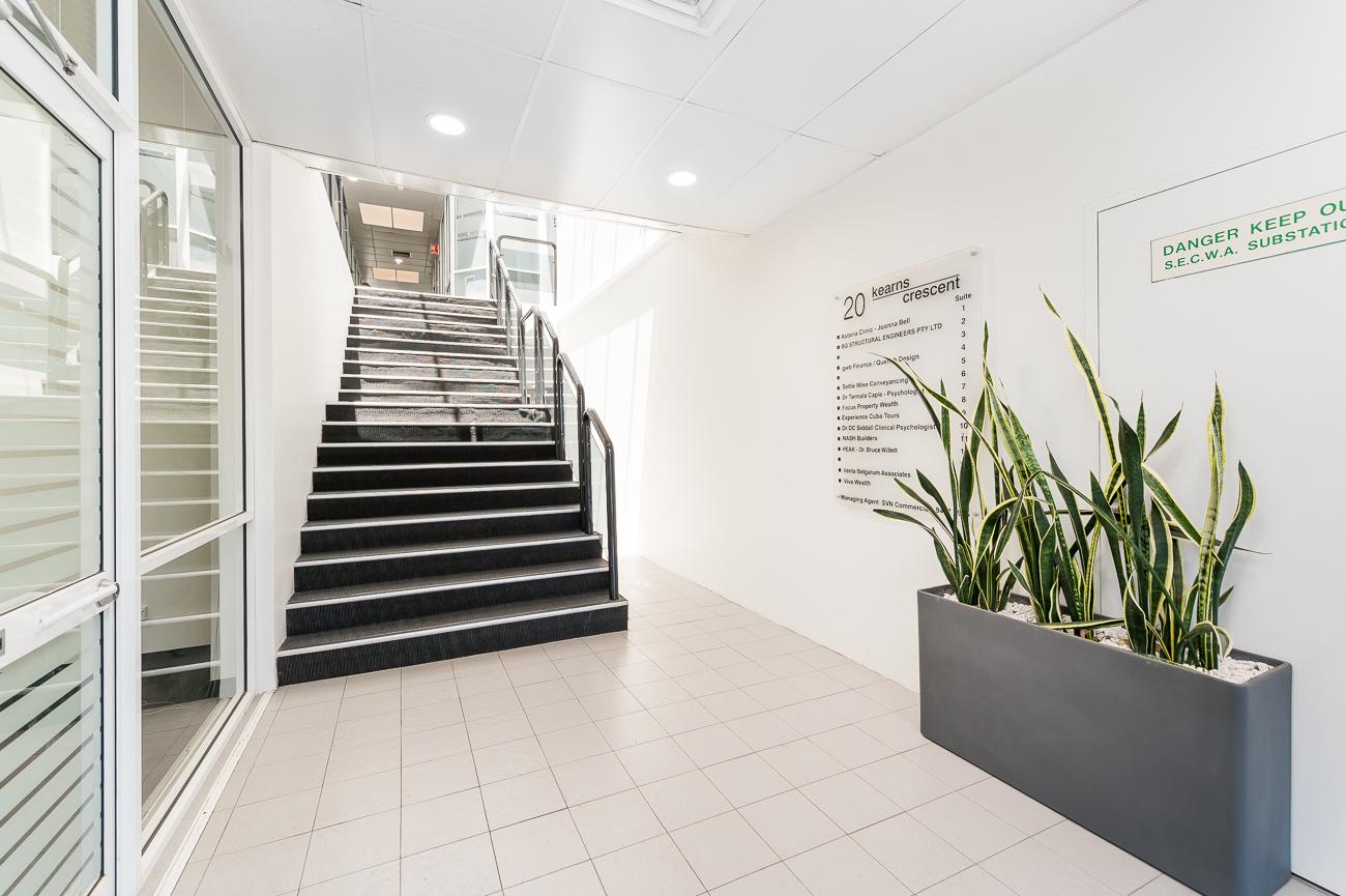 https://propertyphotos.vaultre.com.au/835/29709636__1622001109-31994-Address-57.jpg