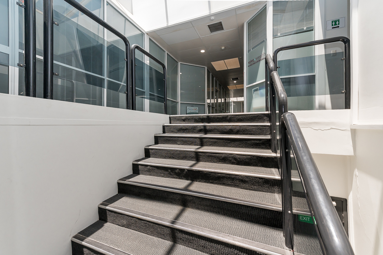 https://propertyphotos.vaultre.com.au/835/29709638__1622001112-5089-Address-58.jpg