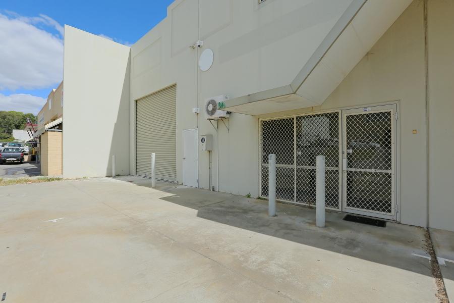 https://propertyphotos.vaultre.com.au/835/33633875__1624507284-11750-IMG0285.JPG