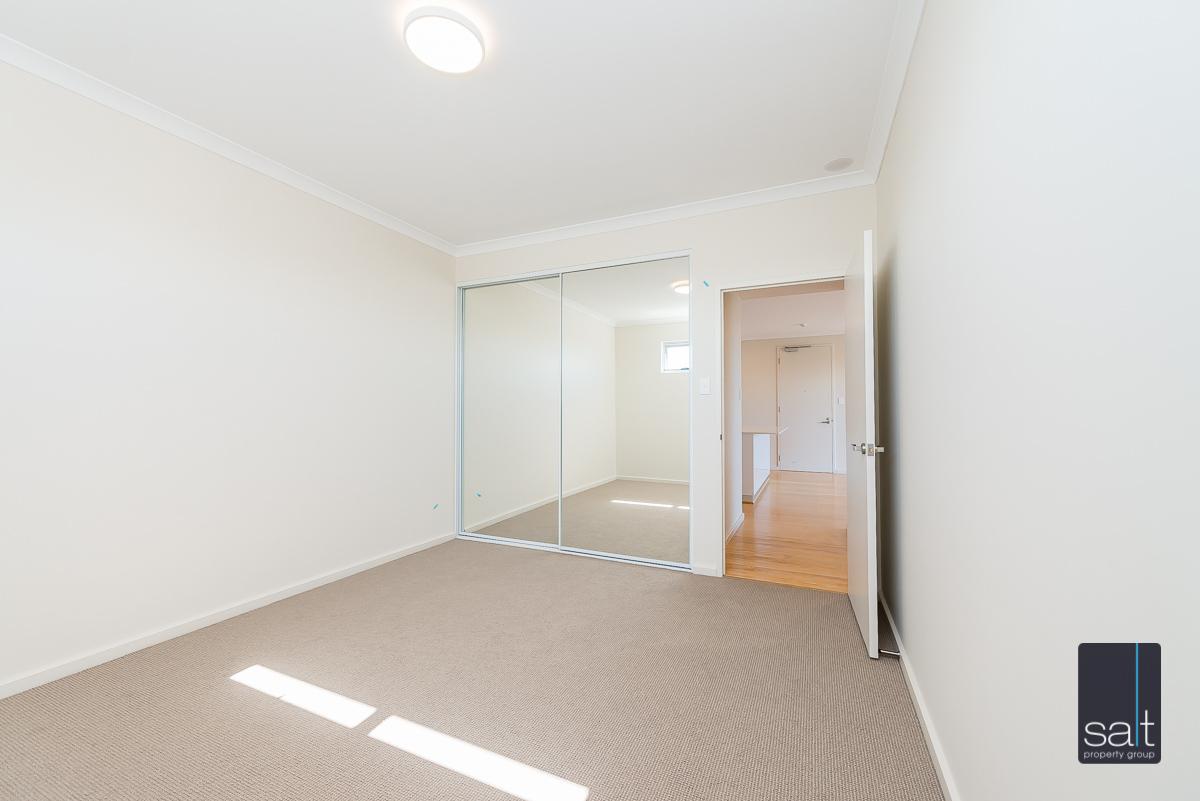 https://propertyphotos.vaultre.com.au/835/33961472__1625096684-20751-9164RiseleyStreetBooragoon-3.jpg