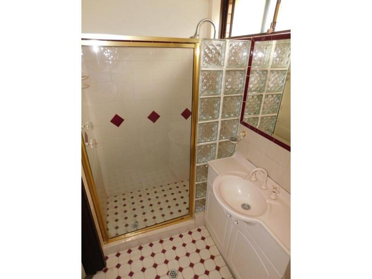 https://propertyphotos.vaultre.com.au/835/34045673__1625462441-845-17.jpg